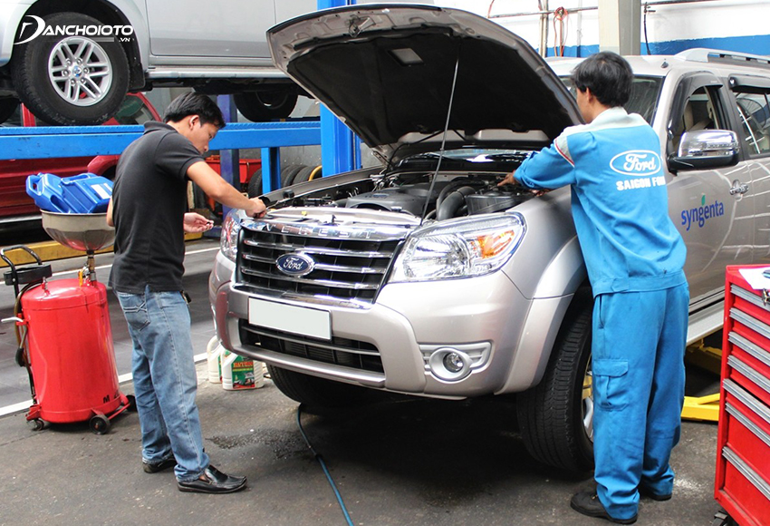 The cost of maintaining and repairing old cars is higher than that of new cars