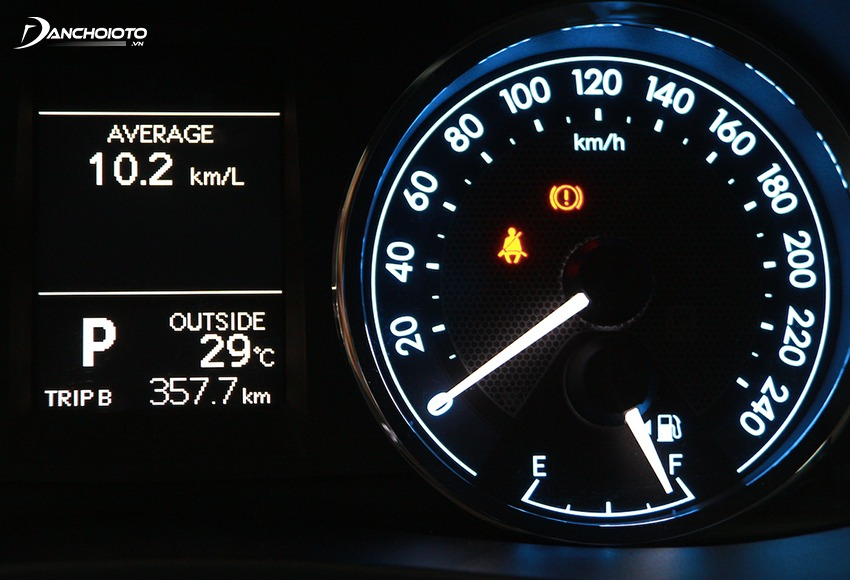 To check the vehicle's speedometer rewind you can check the vehicle history on the screen