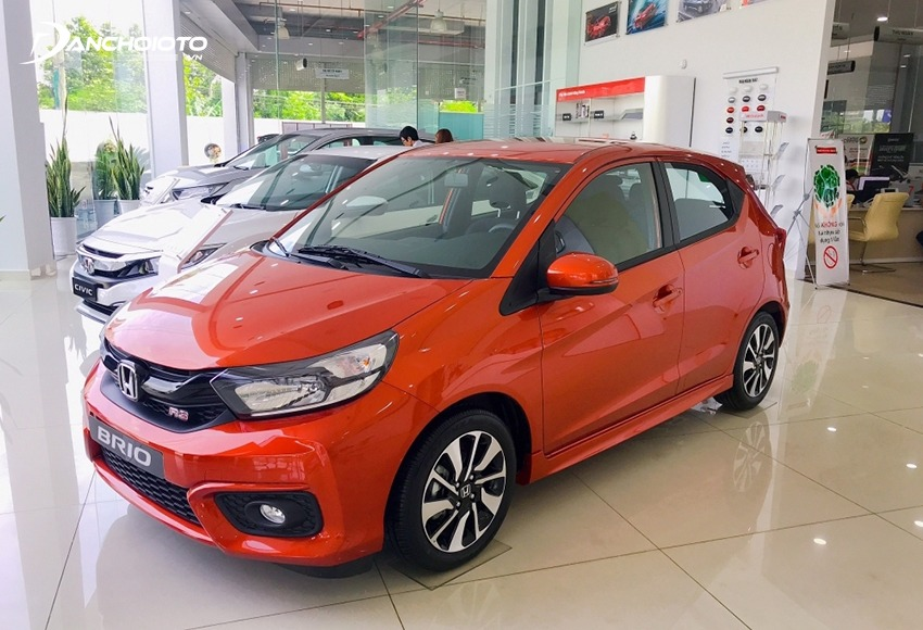 Honda Brio is a suggestion for those who have a personality and a pretty rich budget