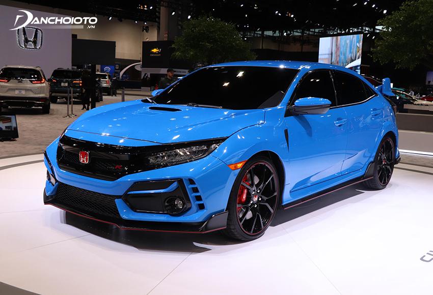 Honda Civic là xe sedan hạng C nổi bật với chất thể thao thực thụ