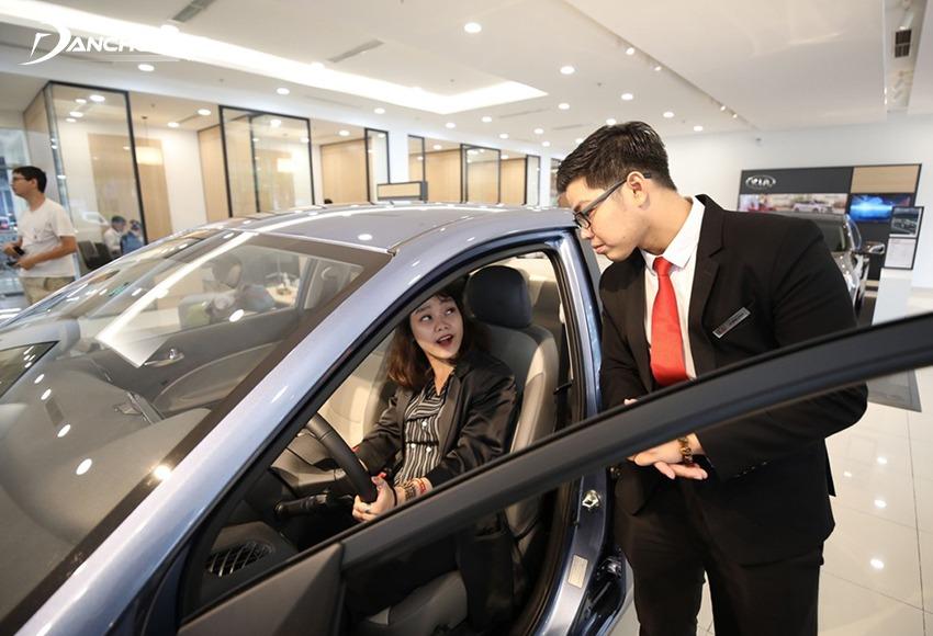 Khi trả giá mua ô tô cũ nên tập trung vào lỗi, nhược điểm xe