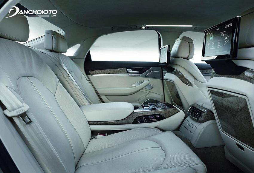 Khoang hành lý tách biệt giúp xe sedan có khoang hành khách riêng tư hơn