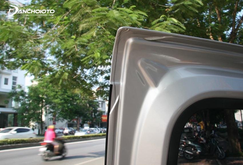 Kiểm tra mép cửa là cách kiểm tra xe oto cũ bị tai nạn dễ biết