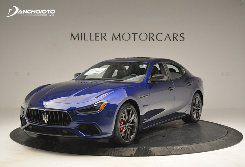 Maserati Ghibli là một mẫu sedan thể thao hạng sang cỡ trung của hãng Maserati