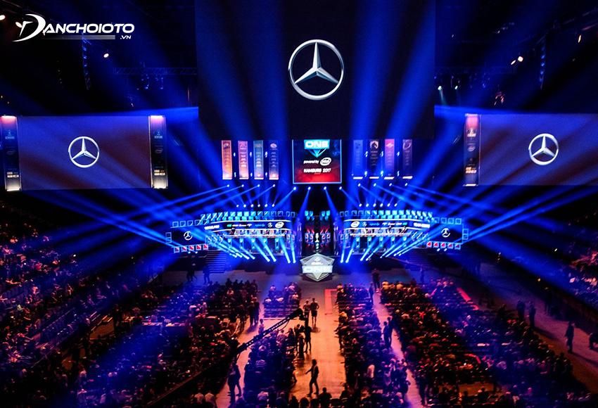 Mercedes-Benz là một trong những nhà sản xuất ô tô lớn nhất, lâu đời nhất và danh tiếng nhất trên thế giới