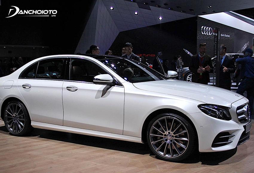 Mercedes E-Class là một mẫu xe sedan hạng sang tầm trung châu Âu có doanh số cao nhất