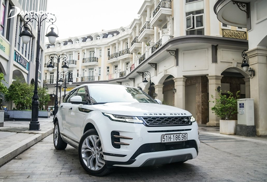 Range Rover Evoque là mẫu xe sang 5 chỗ gầm cao cỡ nhỏ được ưa chuộng nhiều tại Việt Nam