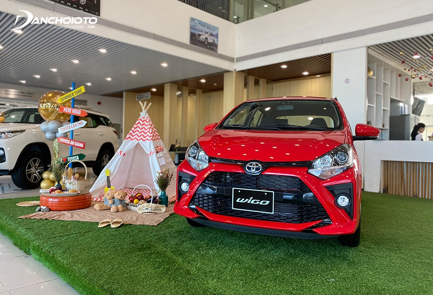 The Toyota Wigo is an option if you do not know what to buy for the first time, what should be durable, keep the price well, save money