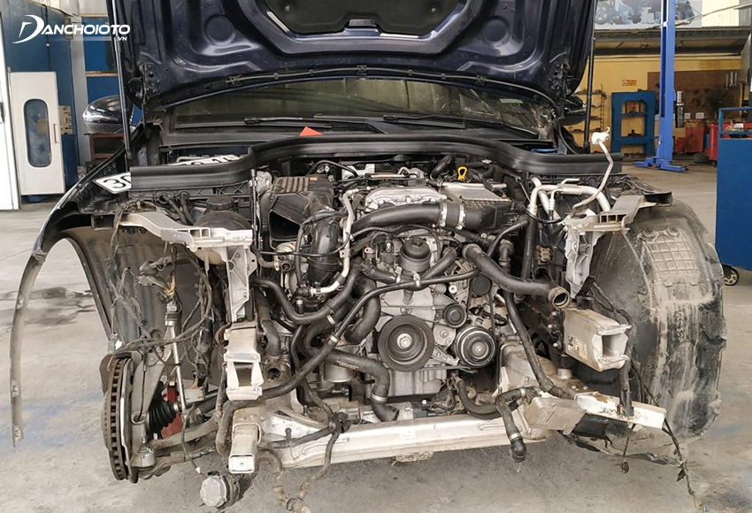 Xe bị tai nạn là một trong những xe cũ không nên mua
