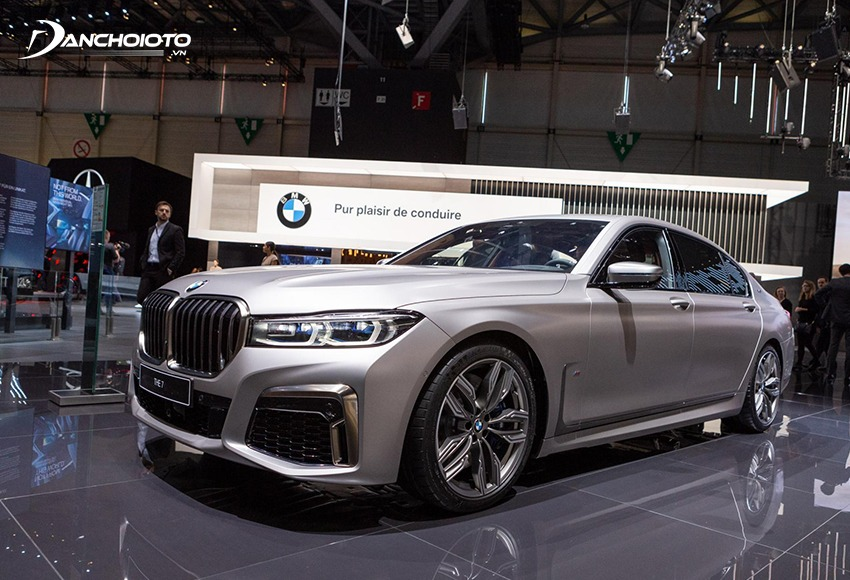Xe BMW được đánh giá cao bởi phong cách sang trọng, thể thao rất ấn tượng