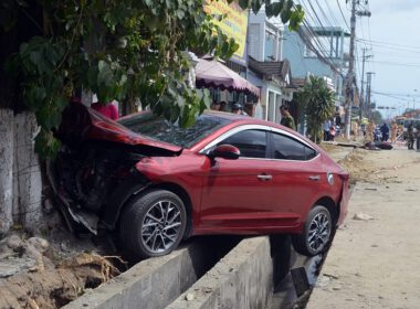 xe ô tô mất lái