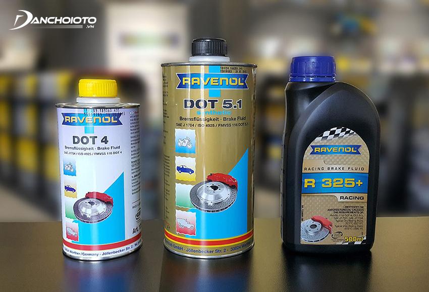 Các loại dầu phanh thường được đánh giá theo tiêu chuẩn DOT