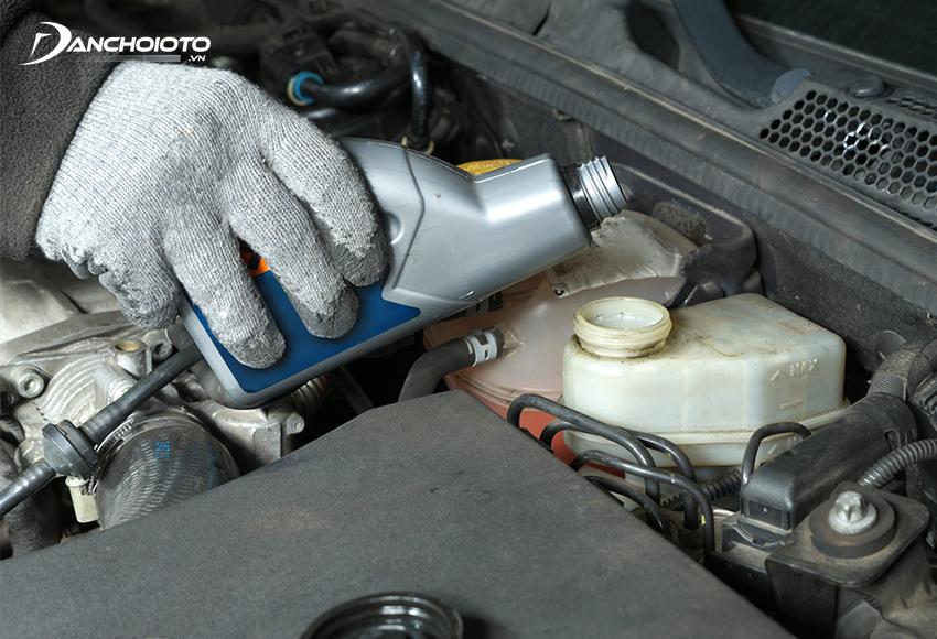 Nên thay dầu phanh ô tô định kỳ sau mỗi 2 – 3 năm