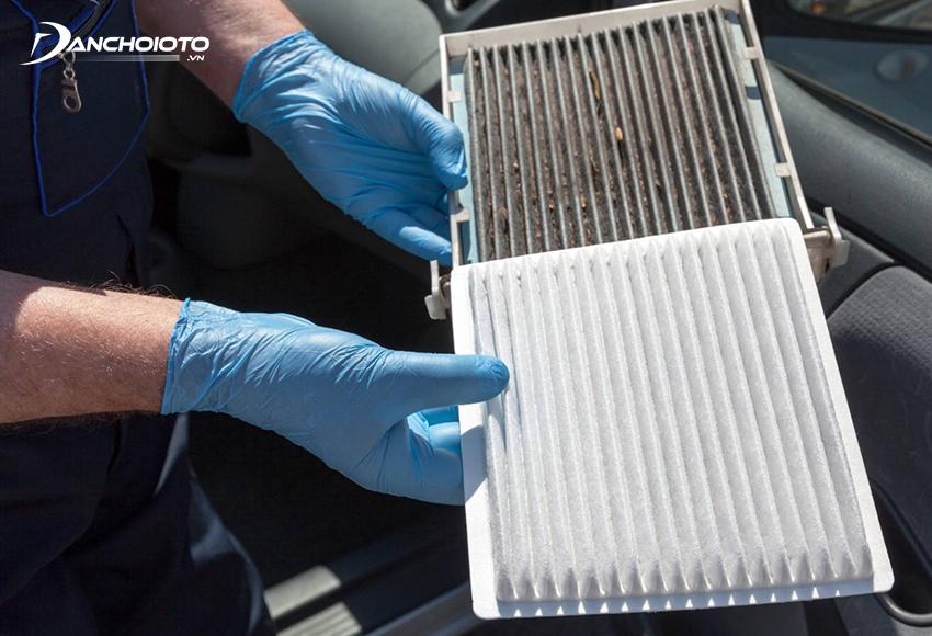Cần vệ sinh lọc gió điều hoà ô tô sau mỗi 5.000 km và thay mới sau mỗi 15.000 – 20.000 km