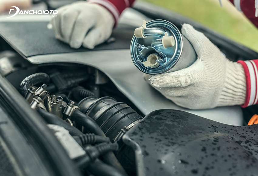 Giá lọc xăng ô tô chính hãng thường dao động 400.000 – 1.000.000 đồng/bộ