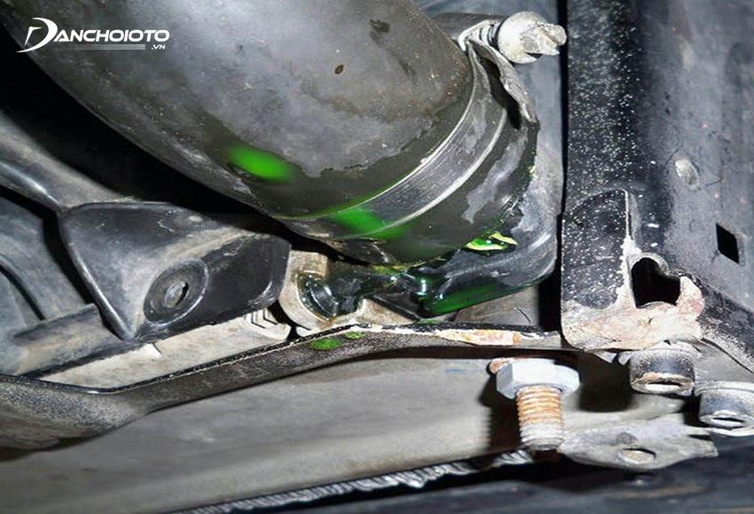 Hệ thống làm mát trục trặc là một trong những nguyên nhân xe ô tô nóng máy, dẫn đến ô tô chết máy giữa đường