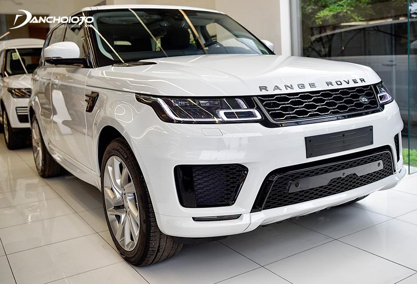 Land Rover Range Rover Sport là mẫu xe SUV 5+2 chỗ hạng sang cỡ trung