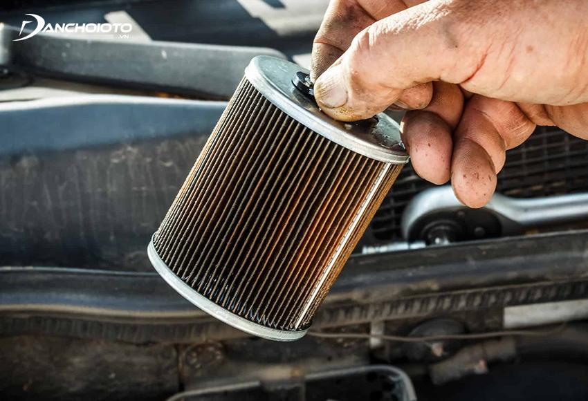 Lọc nhiên liệu bị tắc cũng là một trong các nguyên nhân xe ô tô nhả khói đen