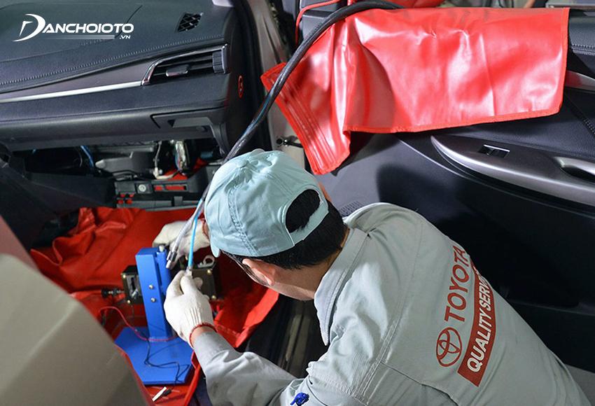 Nên vệ sinh điều hoà ô tô định kỳ sau mỗi 20.000 – 30.000 km vận hành