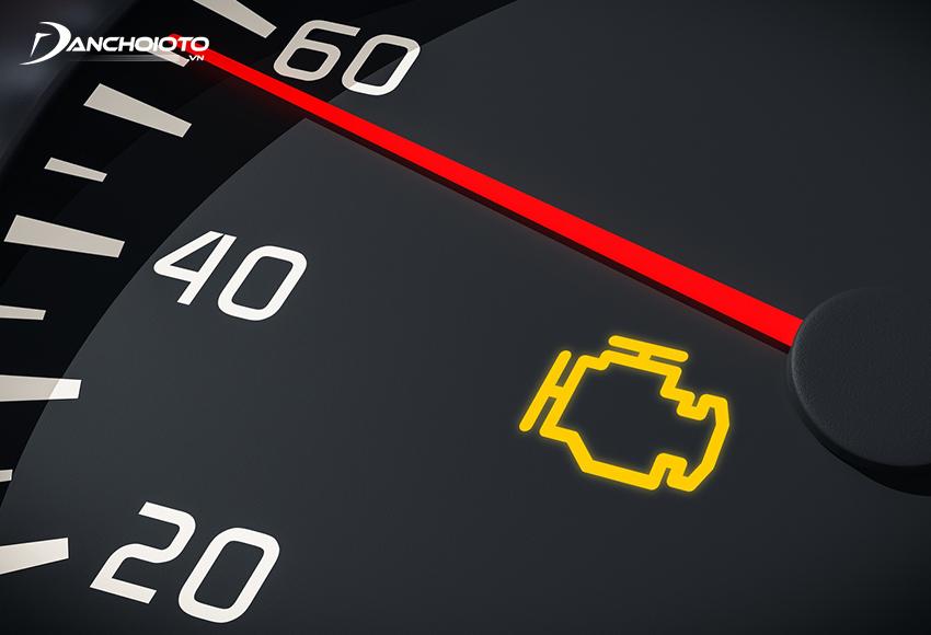 Nếu thấy đèn Check Engine nhấp nháy thì rất có thể là bugi xe đang có vấn đề