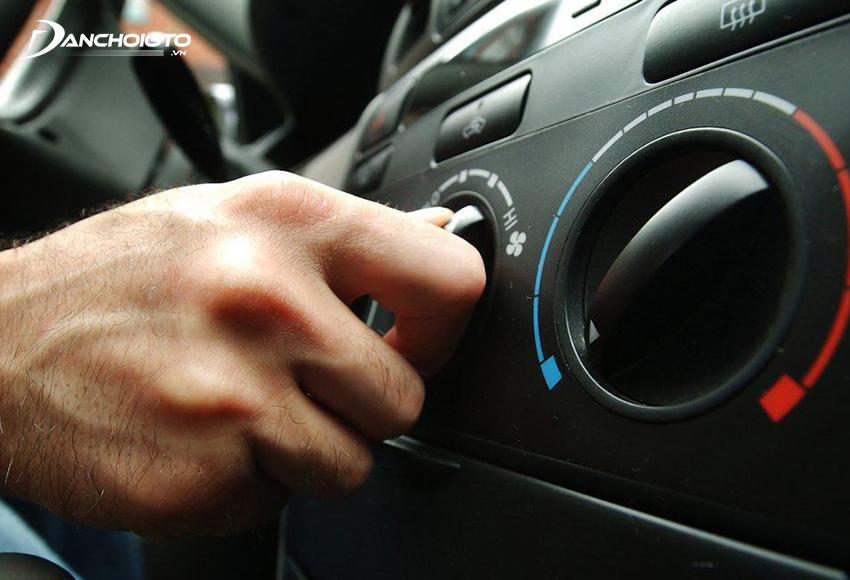 Người dùng có thể chỉ sử dụng quạt gió mà không cần bật máy lạnh