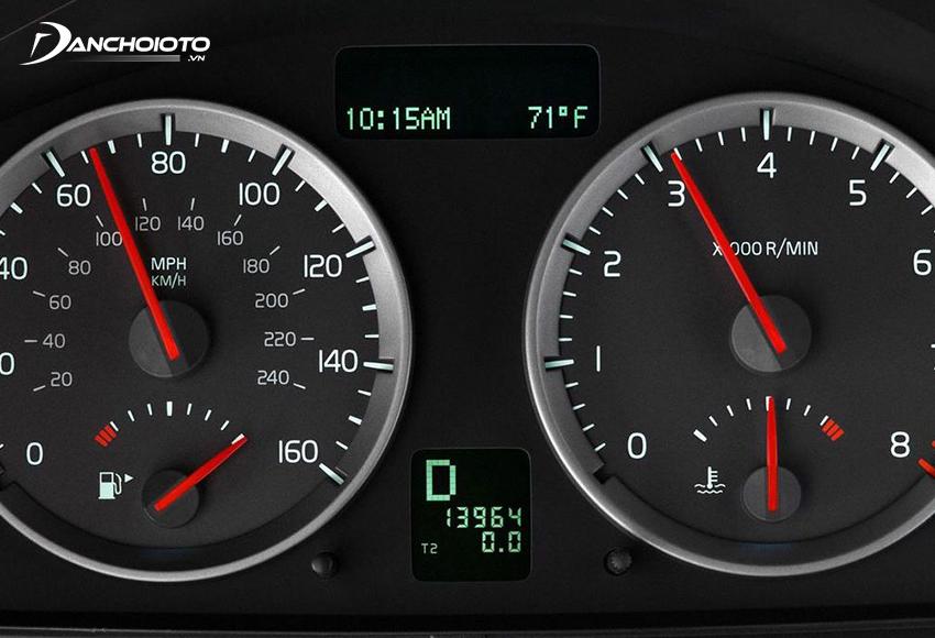 Xe ô tô thường sẽ có mức vòng tua máy ổn định trong một mức nhất định tương ứng theo từng dải tốc độ