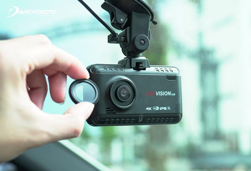 Camera hành trình Webvision có giá khá cao nhưng cho chất lượng hình ảnh tốt