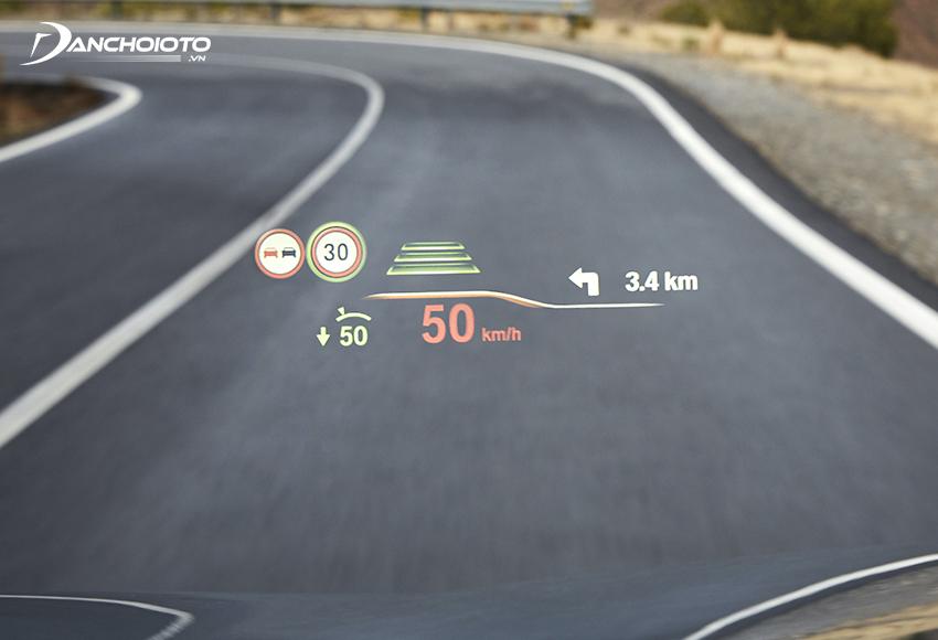 Màn hình HUD kết nối GPS cập nhật tốc độ xe nhanh hơn