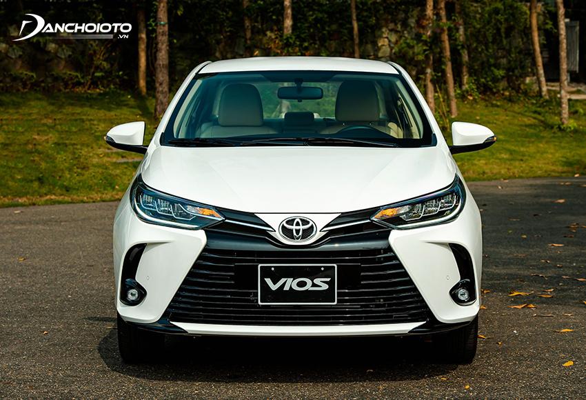 Mặt calang Toyota Vios 2021 đổi mới giao diện cứng cáp và thể thao hơn