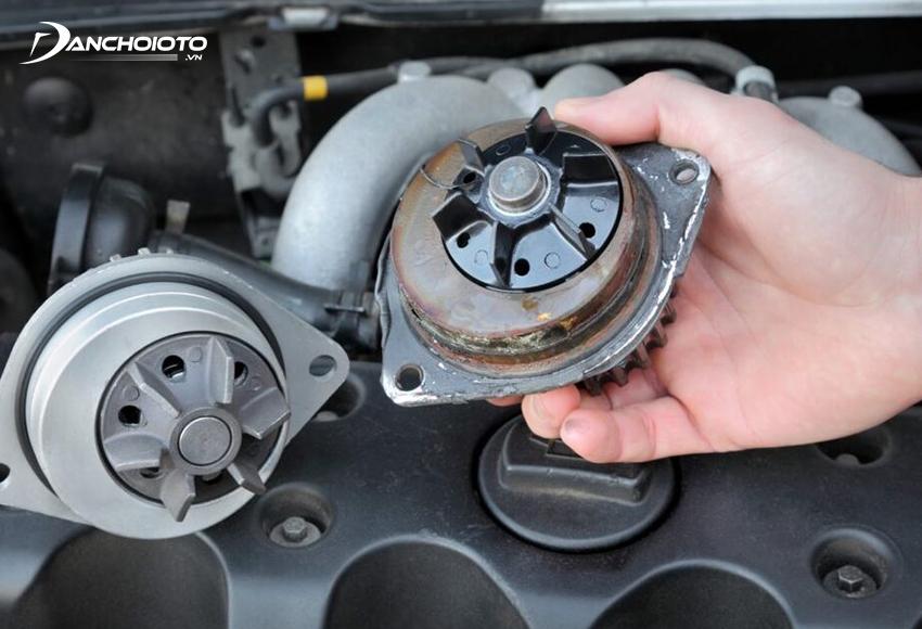 Máy bơm nước bị trục trặc là một trong các nguyên nhân xe ô tô bị nóng máyMáy bơm nước bị trục trặc là một trong các nguyên nhân xe ô tô bị nóng máy