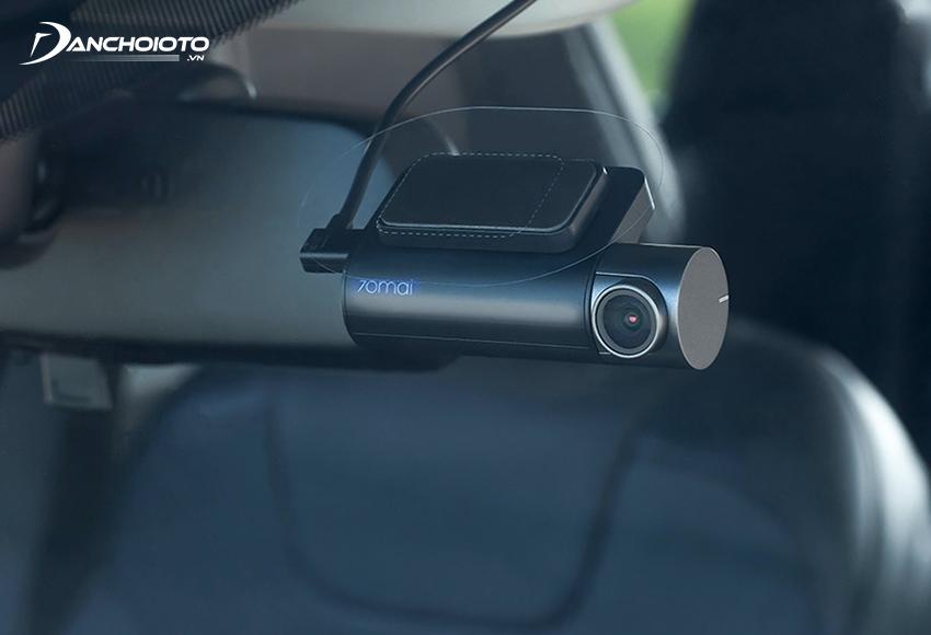 Nên ưu tiên mua camera hành trình xe hơi nhỏ gọn