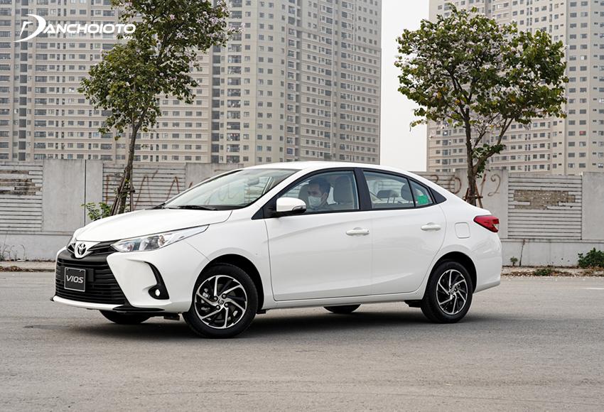 Toyota Vios 1.5E CVT được đánh giá là lựa chọn vừa tầm