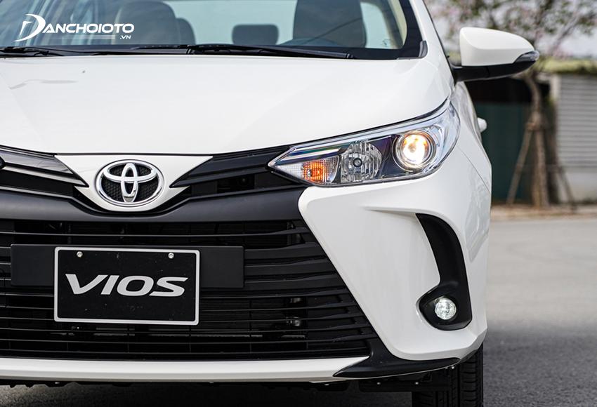 Toyota Vios 2021 1.5E CVT dùng đèn Halogen có Projector