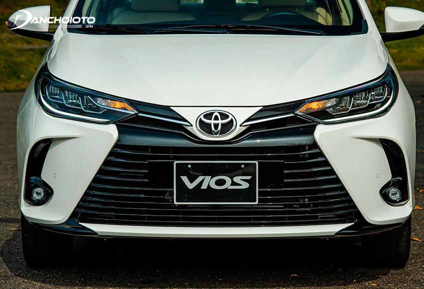 Toyota Vios 2021 GR-S và G được trang bị đèn pha/cos LED khá bắt mắt
