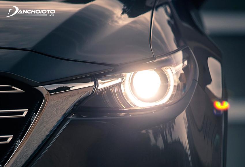 Đèn pha tự động là loại đèn có thể tự động bật/tắt theo điều kiện ánh sáng của môi trường xung quanh