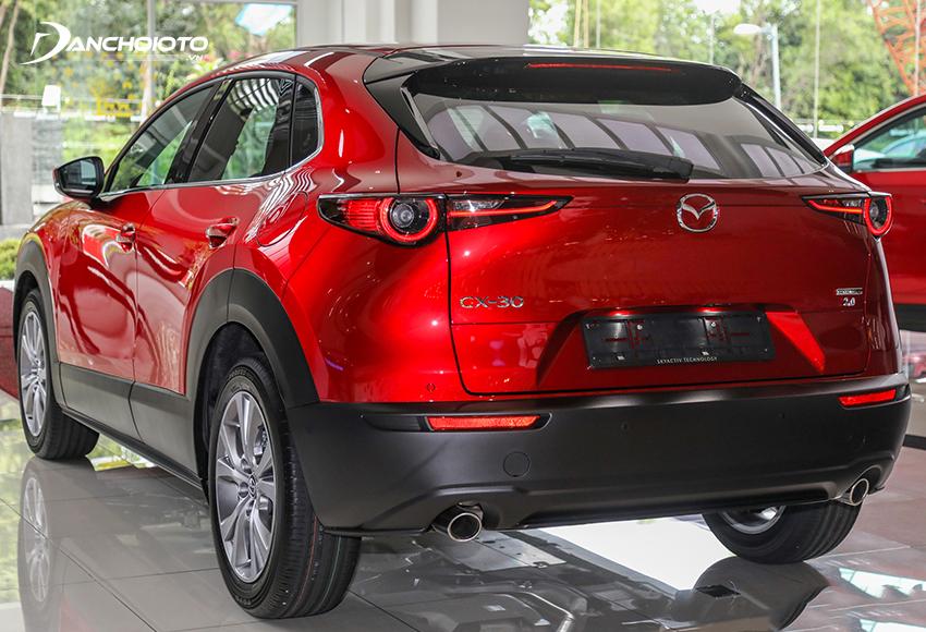 Đuôi xe Mazda CX-30 2021 trông trẻ trung, năng động và hiện đại