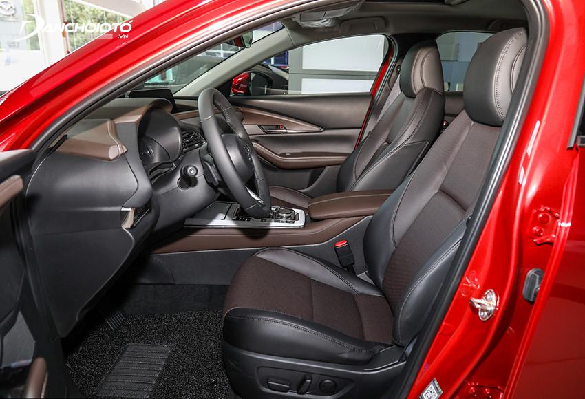 Ghế trước Mazda CX-3 2021 chỉnh điện, ghế lái có nhớ vị trí
