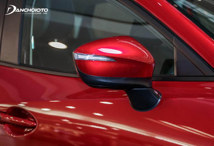 Gương chiếu hậu Mazda CX-3 2021 tích hợp đầy đủ các tính năng cơ bản