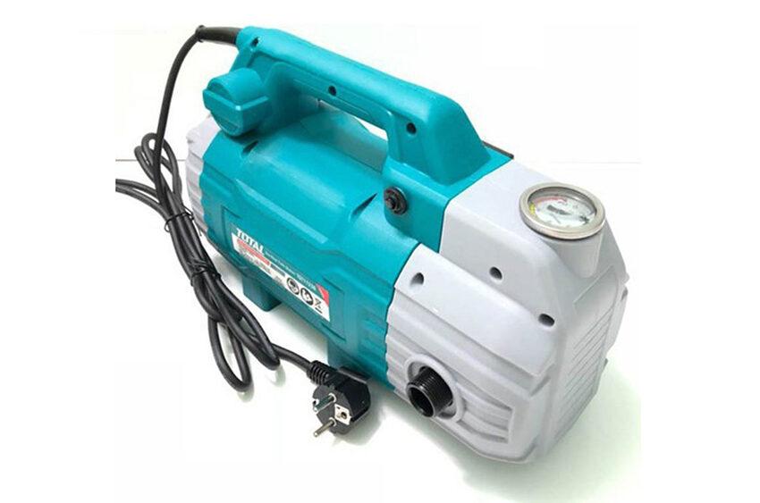 Máy rửa xe Total có ưu điểm thiết kế nhỏ gọn, sử dụng motor từ, hoạt động mạnh…