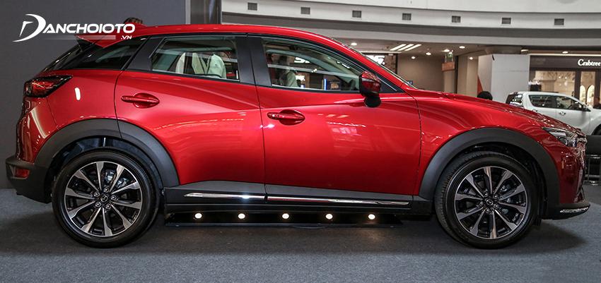 Mazda CX-3 2021 được xem là phiên bản nâng gầm của Mazda 2 hatchback