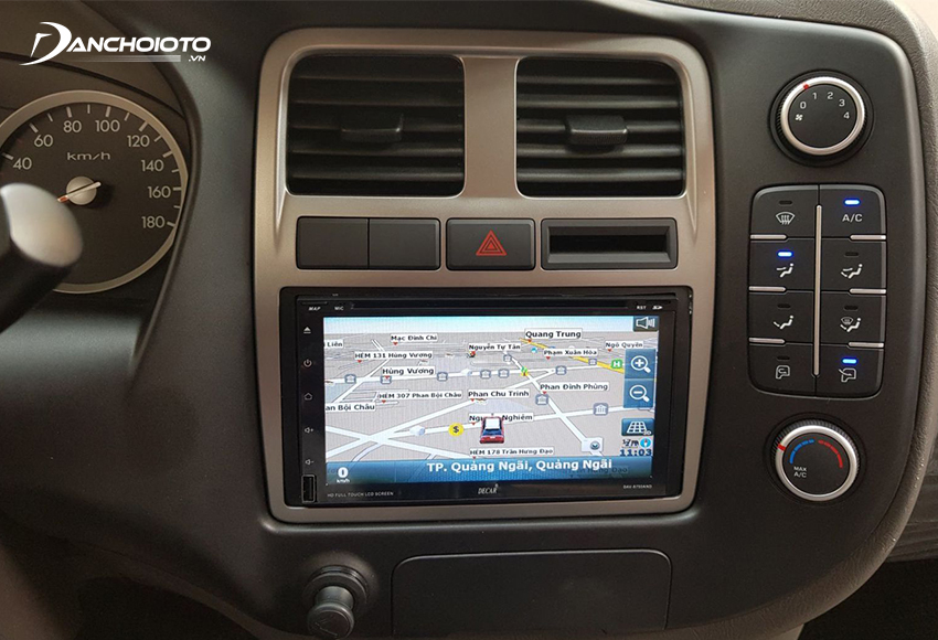 Navigation software is the most important factor when choosing to buy a car navigation device