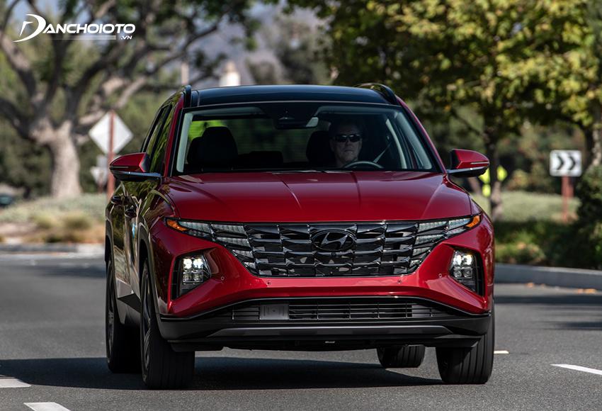 Vì thuộc hạng C nên mẫu xe Hyundai Tucson có kích thước lớn hơn