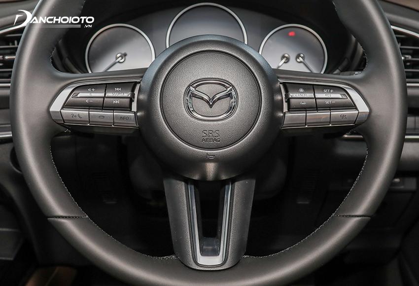 Vô lăng Mazda CX-30 2021 3 chấu bọc da, viền kim loại