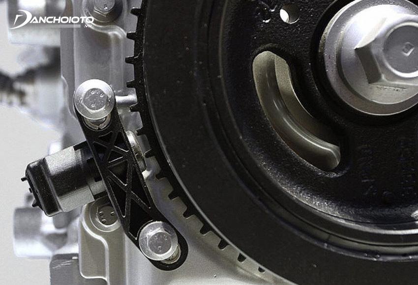 Cảm biến trị ví trục khuỷu có nhiệm vụ thu thập dữ liệu về tốc độ trục khuỷu và vị trí trục khuỷu vào cuối kỳ nổ để gửi về hệ thống điều khiển ECU