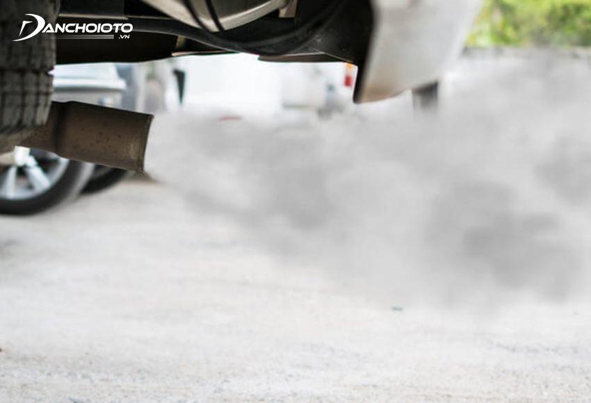 Có nhiều nguyên nhân khiến khói xe ống xả có màu lạ
