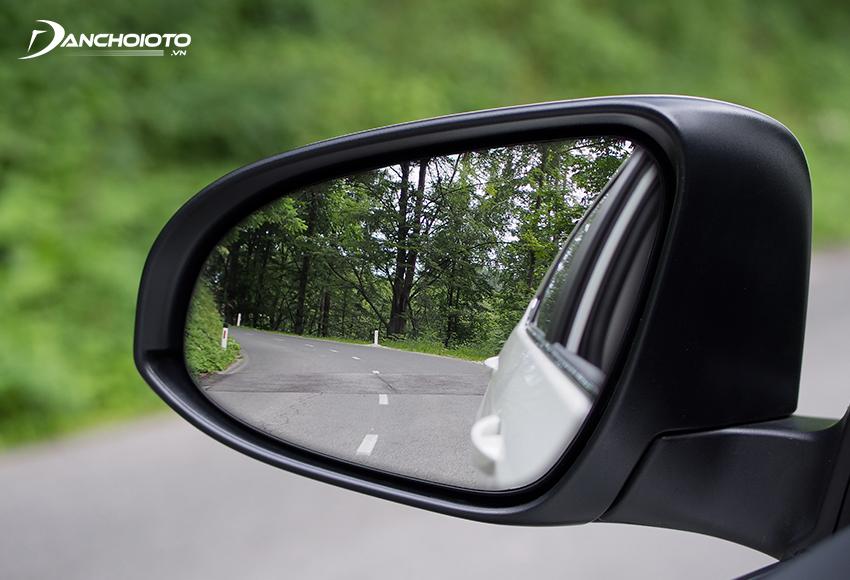 Gương chiếu hậu là giúp người lái quan sát được khu vực hai bên hông xe và phía sau xe