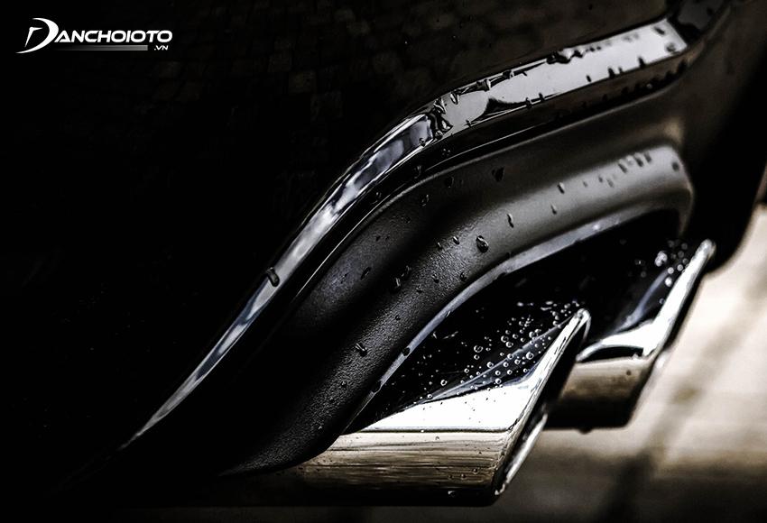 Ống xả ô tô có nước là một hiện tượng bình thường