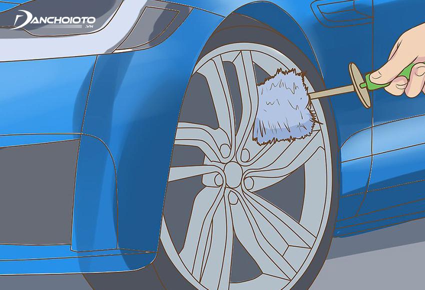 Rửa khu vực bánh xe trước
