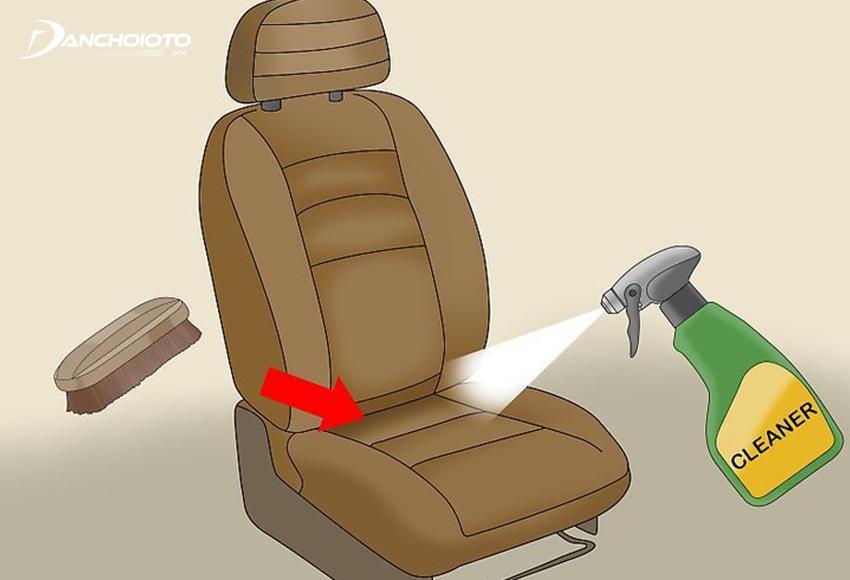 Xịt dung dịch vệ sinh ghế ô tô
