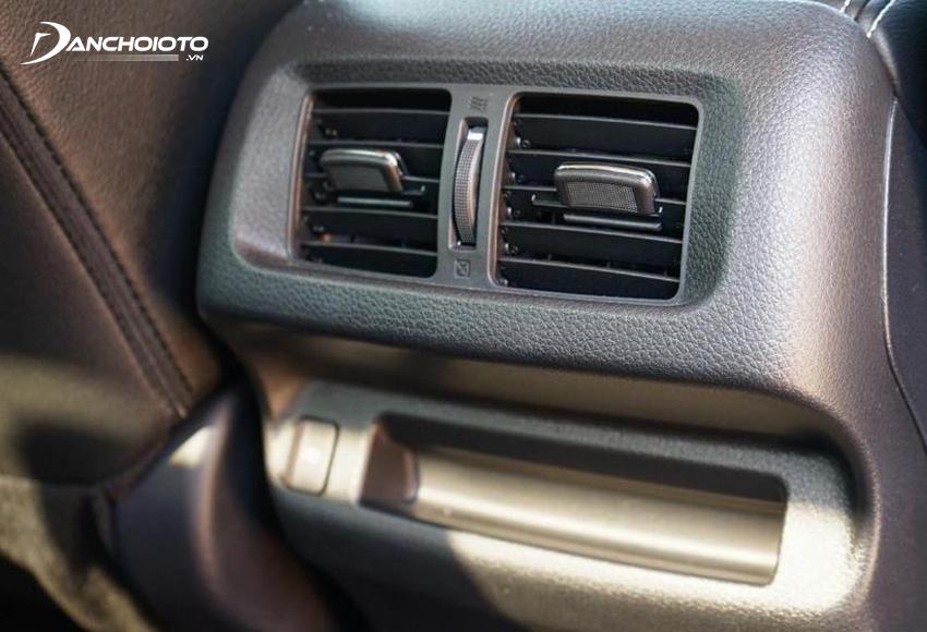 Ghế sau Nissan Navara 2021 có cửa gió riêng
